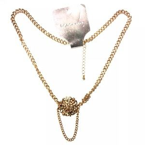 BCBGeneration NECKLACE FAUX ANTIQUE GOLD FLOWER